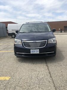 2013 Chrysler Town & Country LOADED