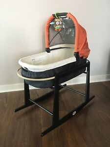 Uppababy Bassinet with Jolly Jumper Rocking Moses Stand