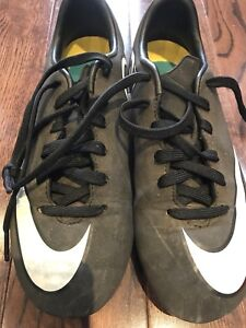 Nike CR7 soccer shoes size 1 youth