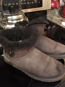 Women's size 9 Uggs
