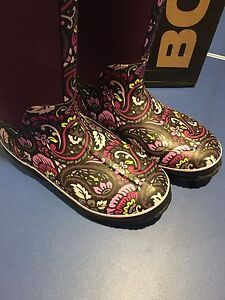 Women's BOGS Printed Boots Size 9 Excellent Condition