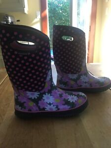 Bogs - Kids Winter Insulated Boot - Size 6 - $50