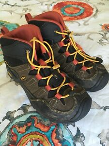 Kids Keens hikers size 2