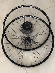 Bike bicycle wheels rims tyres set and singles good condition