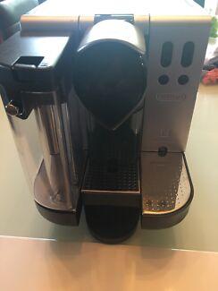 DeLonghi Nespresso Capsule Coffee Machine