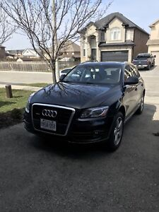 2011 Audi Q5 3.2T Premium plus Navigation and Panoramic Roof