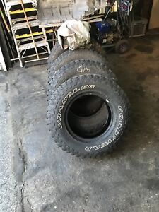 Pneus lt 235/75r15 mud terrain! Good year