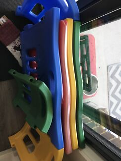 Colourful play pen