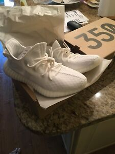 Yeezy Boost 350 V2 - Triple White