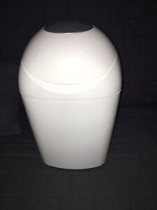 | QUICK SALE | Tommee Tippee Sangenic Nappy Disposal Unit Caringbah Sutherland Area Preview