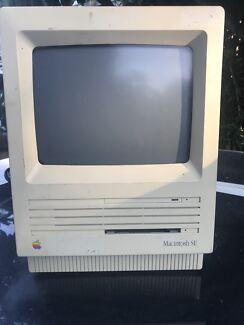 Macintosh SE & SE/30 (x 2)