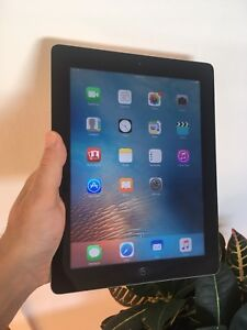 Ipad 3 + case great condition