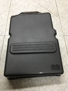 Couvert batterie Mazda Z60118593 battery cover