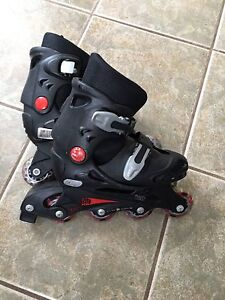 Roller blades good condition adjustable sizes 10-13