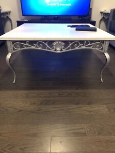 Coffee tables (set of 4)