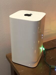 WiFi router/Extender & 2TB WIRELESS Hard drive Time Capsule
