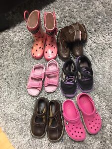 6 pairs of girls size 9-11 shoes