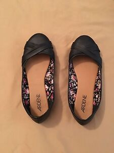 Ladies size 7 black flats