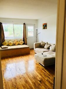 Large 3 1/2 for rent - 1 month Free (available 01Sep2018)