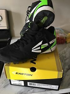 Soulier baseball easton  gr:9