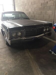 1969 Lincoln continental 4 door (