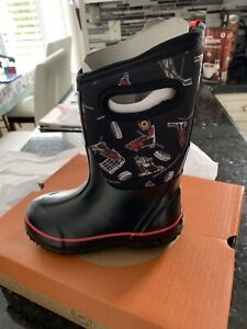 Brand new kids Bogs Water proof winter boots size 12