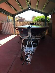 Ski boat Craigieburn Hume Area Preview
