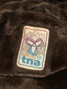 Tna women's winter jacket missing fur hood