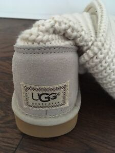New UGG Cardy Boots Size 5
