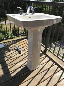 Pedestal sink and faucet