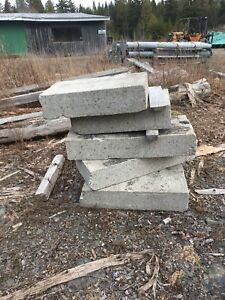 6 concrette blocks