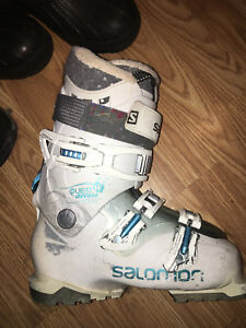 Salomon women's ski boot