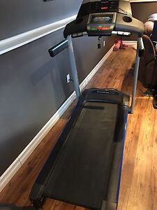 Horizon treadmill with built in trainer and power incline