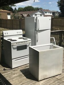Working refrigerator, comes with free stove & freezer