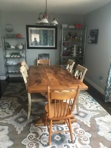 Cottage chic! Harvest Table & Chairs