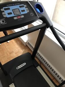 Pacemaster Bronze excellent condition treadmill