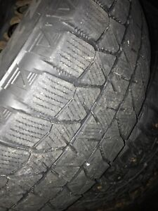 Winter tire 215 55 r16