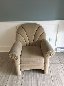 $10 comfy chair!