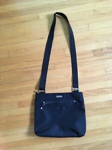 Baggallini Purse - black, brand new
