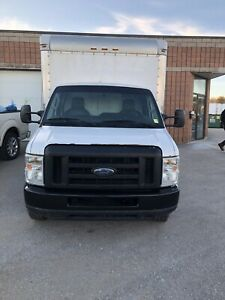 Ford E350 brand new motor runs 100%