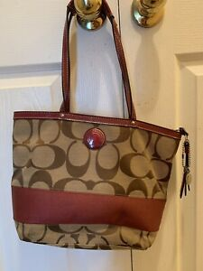 77b4a15fc Buy or Sell Women's Bags & Wallets in Barrie | Clothing | Kijiji ...