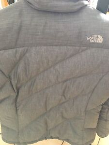 Women's North Face zip snowboard jacket - Medium Kitchener / Waterloo Kitchener Area image 3