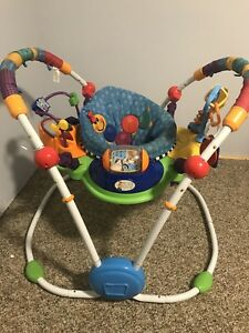 Activity jumper, Exersaucer, Jumperoo, Baby Einstein