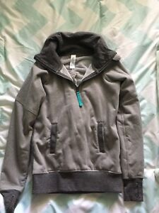 Ivivva Girls Size 8 Lined sweater Like New!