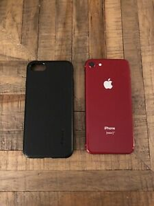 Iphone 8 256GB (red edition) + apple care + 2 cases + great cond