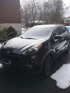 2017 KIA Sportage AWD, 2 Sets of Tires & Extended Warranty.