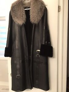 Luxury Black Sheepskin Leather Coat with genuine Silver Fox fur