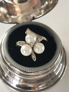 Stunning pearl and diamond ring