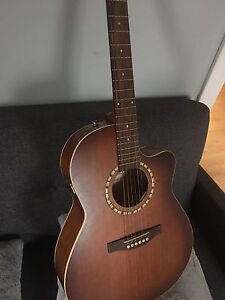 Acoustic guitar - art lutherie
