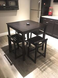 MOVING - Pub Table & Stools -Can Deliver